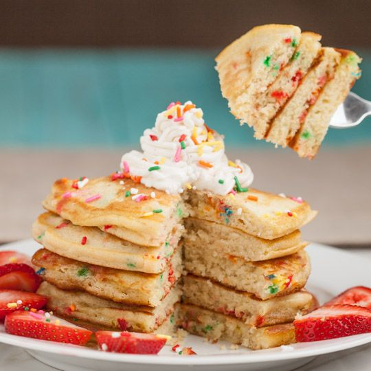 Funfetti Pancakes (from scratch; no cake mixes) - So easy to whip up ...