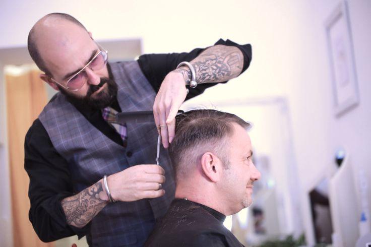 Friseur in Berlin: Friseurmeister Christopha beim Barber Cut