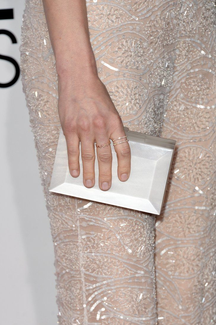 Pin for Later: These Gorgeous Award Show Manicures Hit a High Note Anna Faris Anna Faris's ballerina pink manicure matched her flesh-toned gown perfectly.
