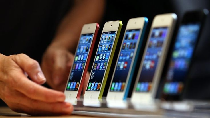 Apple said it would release a patch for the Safari web browser on its devices within days