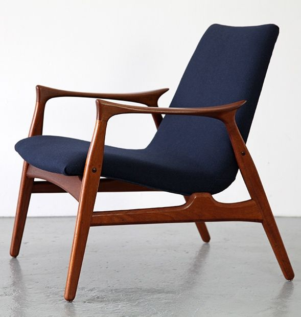 Arne Hovmand-Olsen; #240 Teak Lounge Chair for Mogens Kold, c1958.