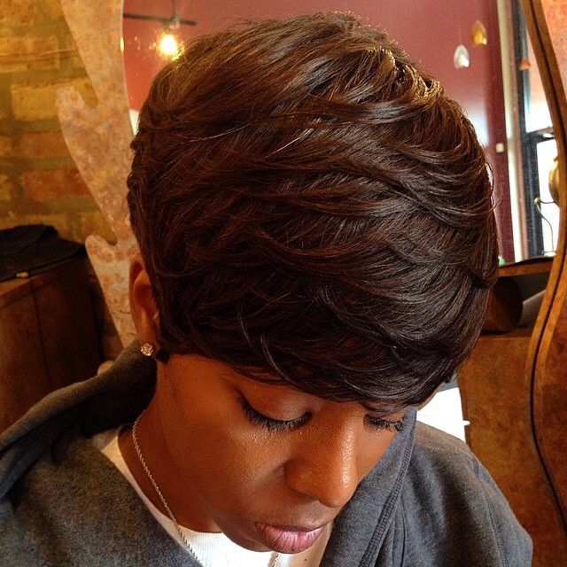 I absolutely love the layers on this haircut by @elegantmdge! #VoiceOfHair ========================== Go to VoiceOfHair.com ========================= Find hairstyles and hair tips! =========================