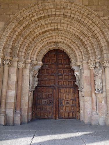 #Romanesque south door of San Vicente, Avila -  ROMANESQUE style : Combining features of Western Roman and Byzantine buildings