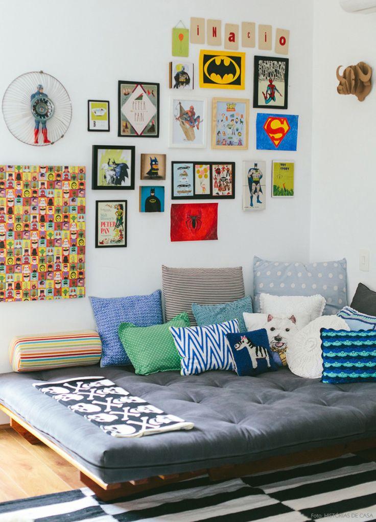 Quarto de menino. Mais em www.historiasdecasa.com.br #todacasatemumahistoria #kidsroom #wallgallery #decor