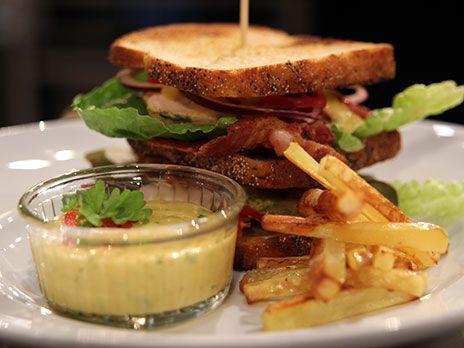 Pyszchna kanapka (Club sandwich) | Recept från Köket.se