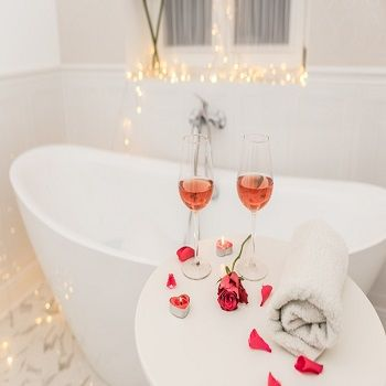 Romantyczna łazienka - nie tylko na Walentynki.  #Walentynki #Łazienka