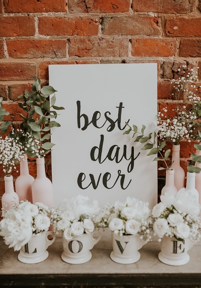 Will YOURS be the best day EVER? Seven barns, seven styles, seven beautiful big days... if you're planning your own barn wedding decor, make this your reception decoration style bible!