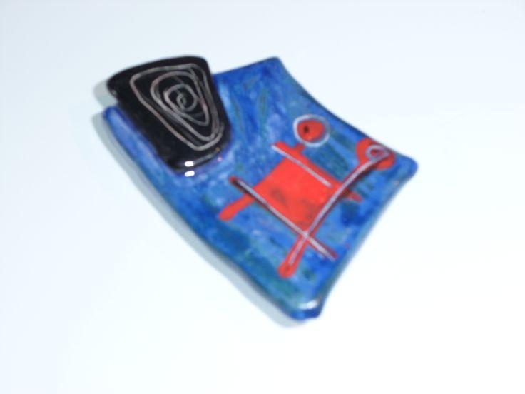 ceramic form / brooch