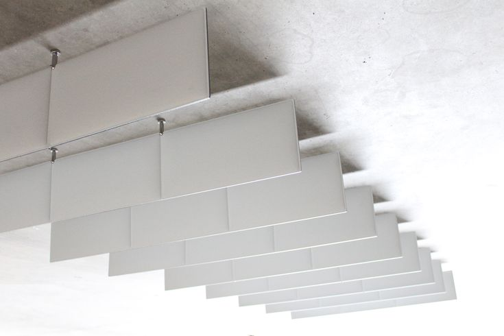 Paneles acústicos y divisorios, fabricados con material reciclado y reciclable. Fáciles de instalar.