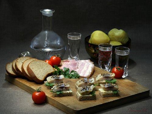 Как пить водку — Рецепты, советы и секреты приготовления вкусной еды. Закуска лапидарных пейзан. #russia #russian #россия