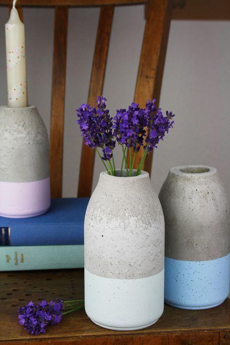 Flaschenförmige Vase aus Beton im Kreide dipped Look   DIY Anleitung