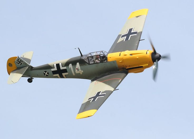 Messerschmitt Bf109E 'Emil'   (click here to open a new window with this photo in computer wallpaper format)