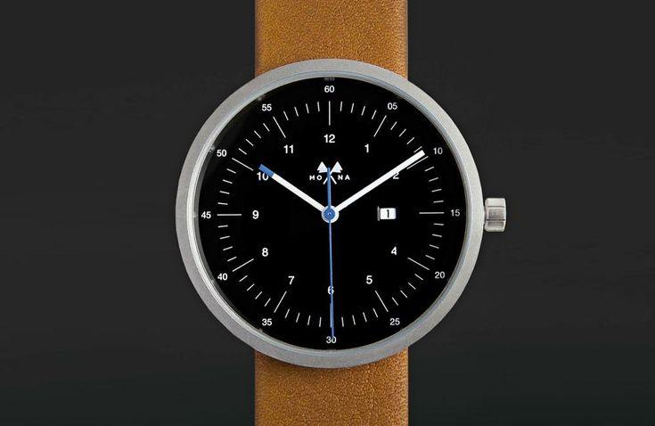 Aus Frankreich kommt von Mona Watches eine Reihe von exklusiven und eleganten Armbanduhren, dienebenihrer minimalistischen Erscheinung auch einige besondere Details bieten. Das Sortiment von Mono Watches umfasst aktuell zwei Modelle mit jeweils unterschiedlichenFarb- und Armband-Varianten. Allen gemein ist dabeidasklassische und … Weiterlesen