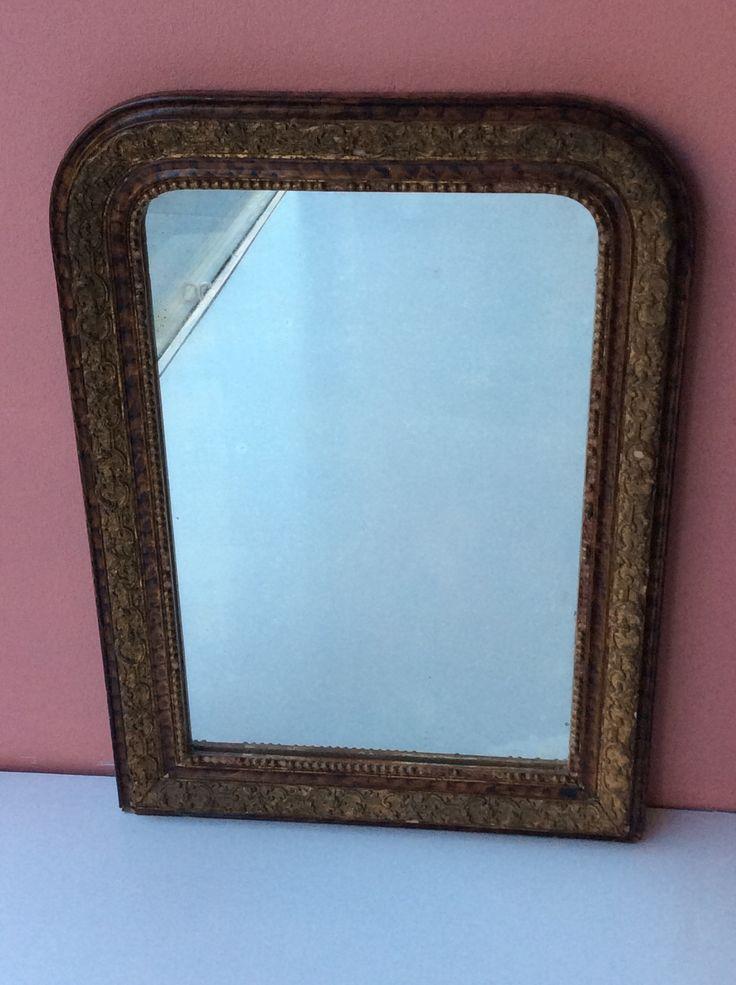 ruskea&kultakehyksinen peili . 48x66cm . kooPernu