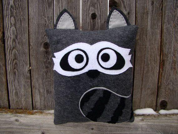 Raccoon pillow  #raccoon #racoon #pillow #felt #DIY