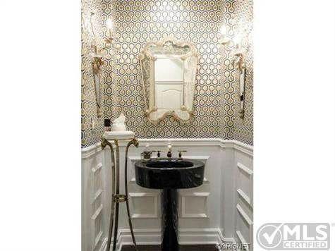kountry kardashion new nfl home | Kourtney Kardashian and Husband Scott List Their California Hills Home ...