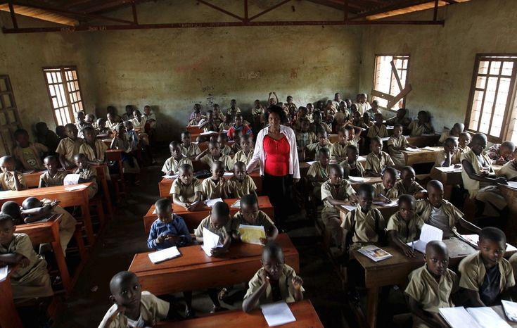 Pour mettre en avant le travail des enseignants à travers le monde, des photographesont parcouru le globe, du Brésil au Japon, en passant par le Kenya ou le Pakistan.