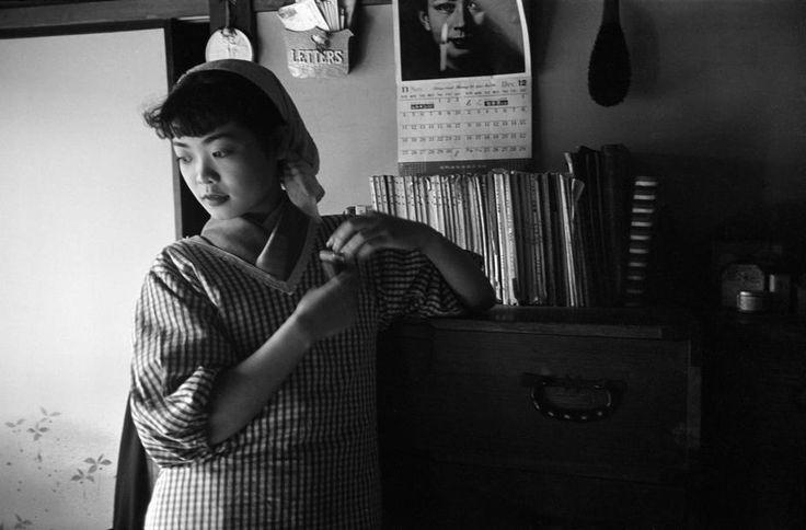 Werner Bischof ▪ JAPAN. Tokyo. 20 year old Michiko Jinuma, a fashion student. 1951.