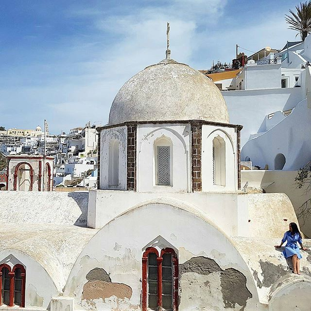 ✴ Fira, Santorini, Cyclades...  Photo from @travelstoriesfromyworld!  ➖➖➖➖➖➖➖➖  #fira #Santorini #caldera #thira #santorinigreece #santoriniisland #cyclades #cyclades_islands #greekislands #greekisland #aegean #aegeansea #greece #greek