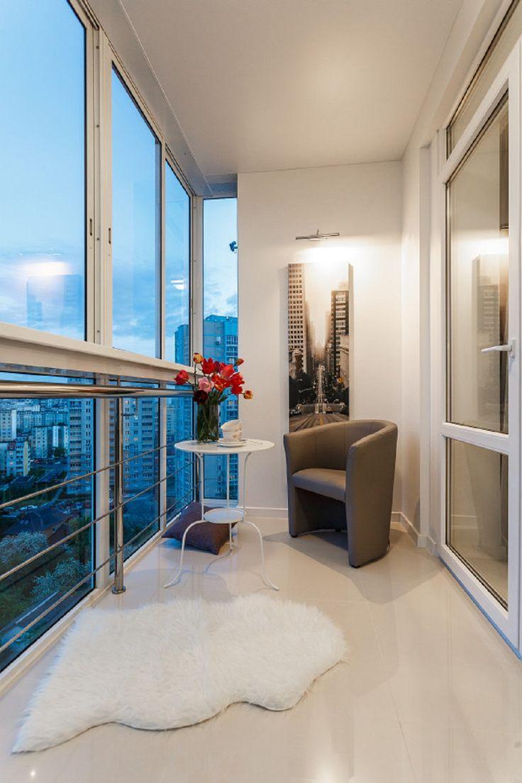дизайн балкона с панорамным остеклением фото надела