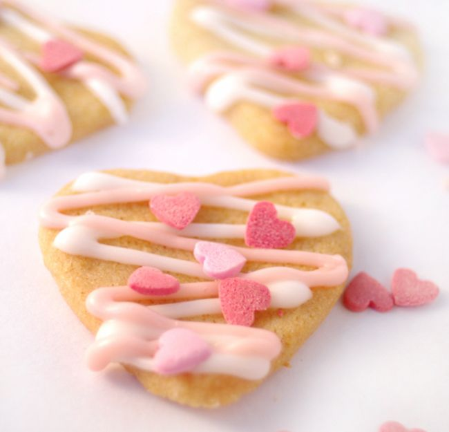 Delicious and so easy to make, treat someone to these Valentine's Day Butter Biscuits
