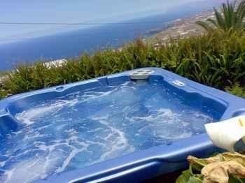Jacuzzi con vistas al mar, aquí en Garachico, #Tenerife