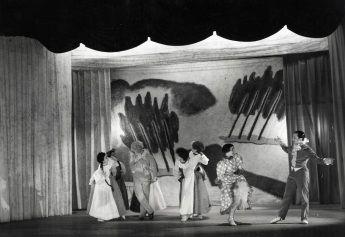 """Scenografia e costumi per il balletto """"La Vispa Teresa"""" di Ettore Zapparoli"""