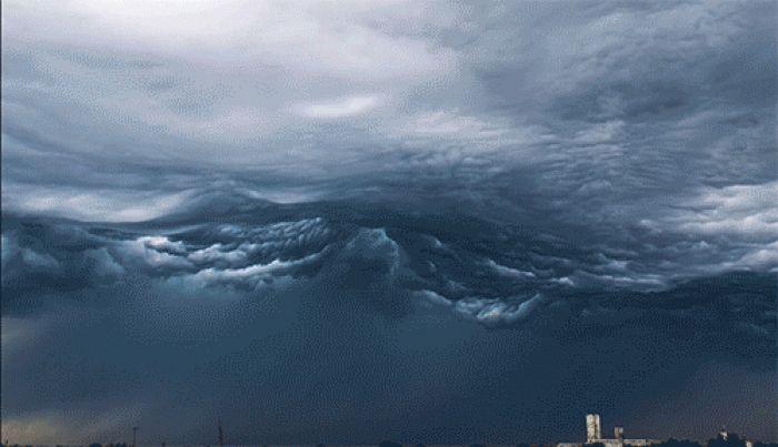 Hızlandırılmış Dalgayı Andıran Fırtına Bulutları - 4finite.com