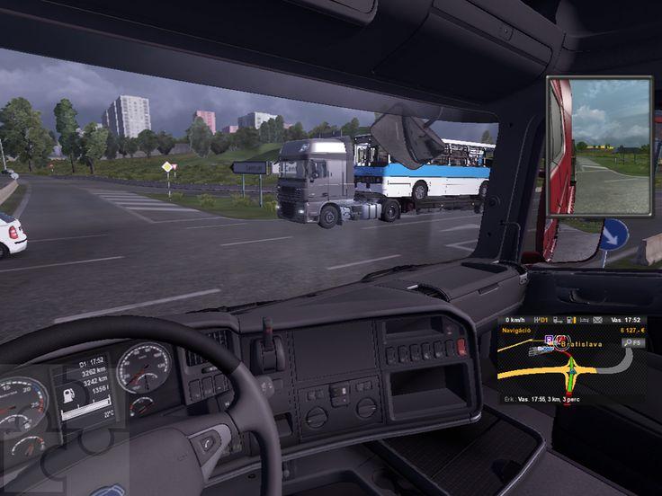 Jobbról a tréleren egy Ikarusz busz. Ez egy csak egy kiegészítő (mod) letöltése után kerül a játékba.