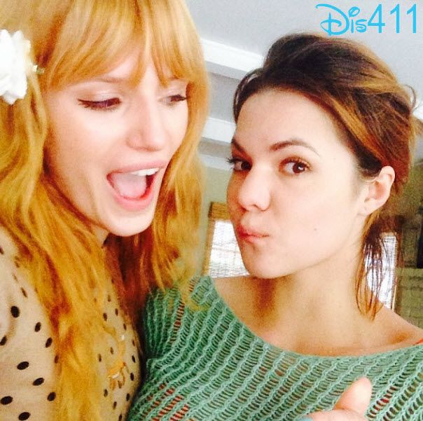 Bella Thorne with her sister Kaili Thorne on Thanksgiving November 28, 2013
