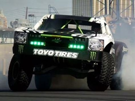 Trophy Truck hurtles Nissan GT-R in crazy off-road video- Modified, By Toni Avery