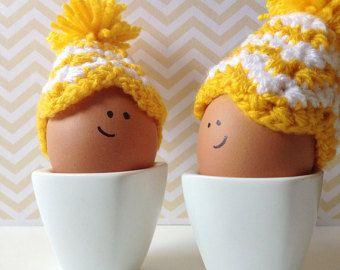 Galben și alb Chevron cozies croșetat din ouă