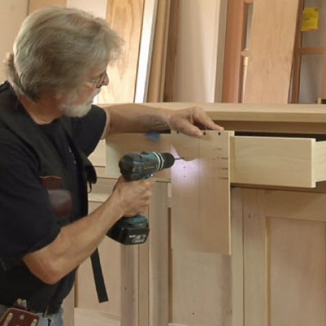 A Better Way To Drill For Cabinet Pulls: OMG I ALWAYS Screw This Up! Kitchen  Drawer ...