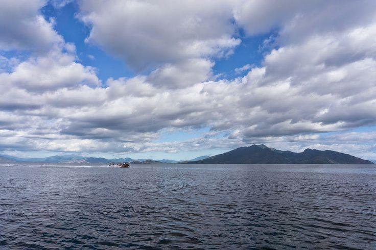 Keindahan Pulau Pemana dari Desa Gunung Sari