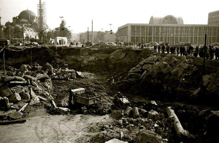 Saraçhane Haşim İşçan Geçidi Kazısı / 1965