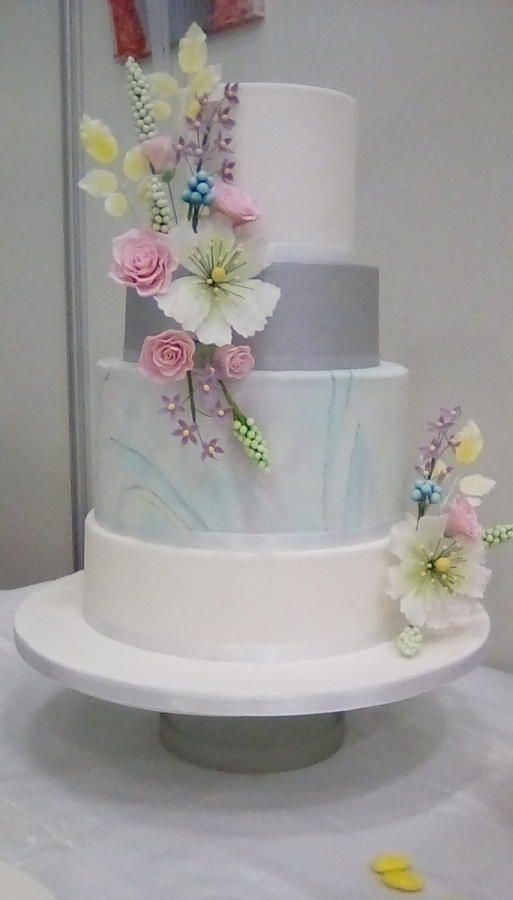 Pastel marble wedding cake by Mandy