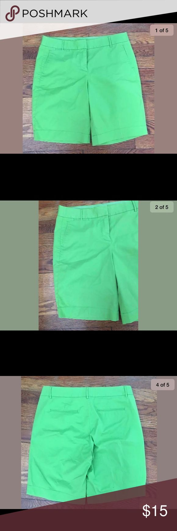 J. Crew Bermuda Shorts Womens Size 4 Green NEW J. Crew Bermuda Shorts Womens Size 4 Green NEW 10 Inch Inseam Summer Spring  Cotton/spandex blend. Front and back pockets with belt loops.  10 inch inseam.  Smoke and pets free home J. Crew Shorts Bermudas