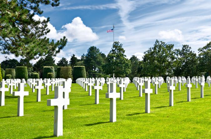 D-Day Tour Including Guided Visit of the Mémorial de Caen Museum, Lunch and D-Day Landing Beaches, Caen