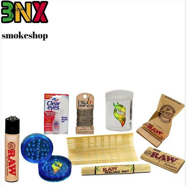 @bongxsmoke has you covered when rolling is your desired way to #smoke. Get your kit at smoshe.com! . Buy and Sell Pipes on our tobacco pipe marketplace. Percolator Water Pipe, High Quality Glass Pipes, Online Smoke Shop, Bubbler Pipe, Spoon Pipe, Mini Bubbler, Smoking Accessories, Top Vaporizers, Hookah Online Store, Hookah Flavors . #smoshe #buysellnegotiate #sellyours #onlinemarketplace #headshop #pipes #smoke #vape #hookah #bubbler #f4f #smokeshop #comeonecomeall #christmasgifts