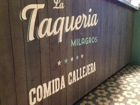 Der Tresen der La Taqueria Milagros in München