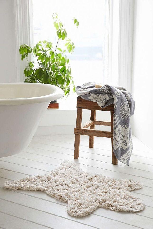 Modernes Bad einrichten: Holzhocker!