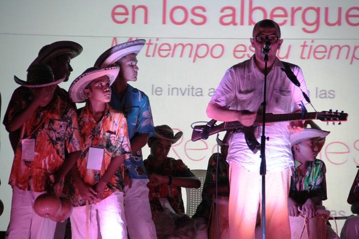 Concierto de César López con los niños de Manatí.