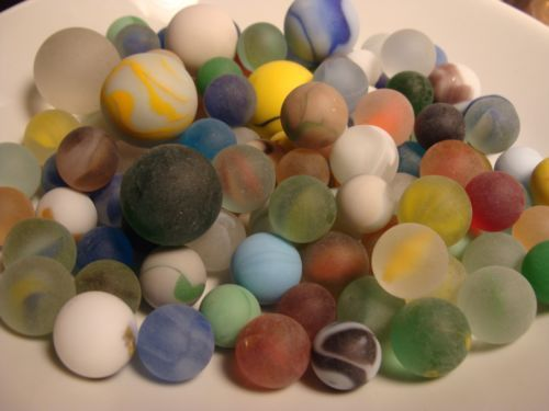 100 vintage Sea Beach Glass Style Marbles Beautiful Cats Eye Jewel Red Blue More - http://hobbies-toys.goshoppins.com/marbles/100-vintage-sea-beach-glass-style-marbles-beautiful-cats-eye-jewel-red-blue-more/