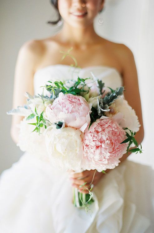 For more fabulous wedding bouquet inspiration, check out our Wedding Bouquet Gallery.