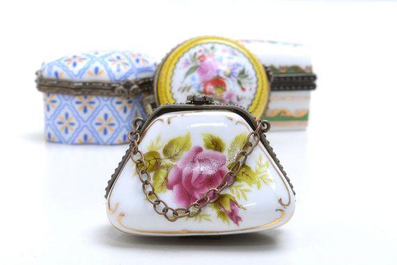 Pastillero vintage de porcelana cajita miniatura por Brocantebcn