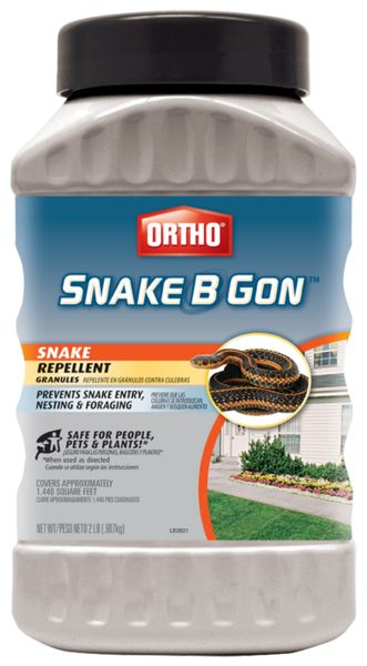 Ortho Snake Repellent Granules, Snake B Gon®, prevents the entry, nesting and foraging of snakes.