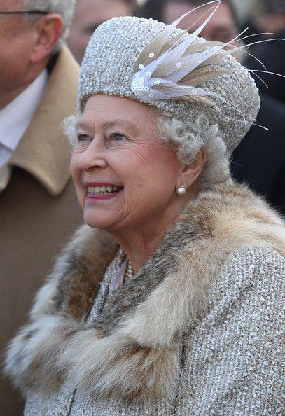 Queen Elizabeth 2014...She looks so Pretty...