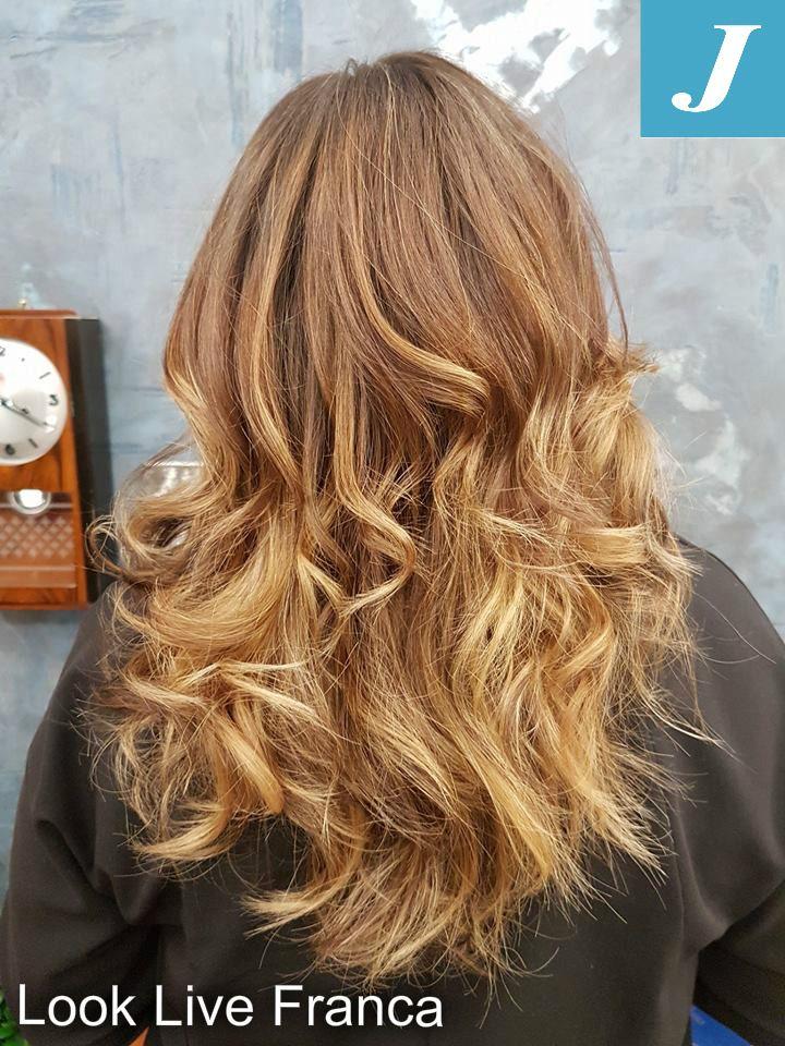 Cromie per il nuovo degradè CONTOURING #wella #wellacolour #fashion #hairlong #centrodegradèjoelle #davines #looklivefrancaparrucchieri #viadeimirti29 #ragusa