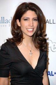Lynda Lopez Hairstyle, Makeup, Dresses, Shoes and Perfume - http://www.celebhairdo.com/lynda-lopez-hairstyle-makeup-dresses-shoes-and-perfume/
