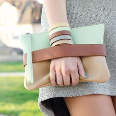 Embrayage Clutch bag « CarryMe », sac à main menthe, cuir vegan, boho